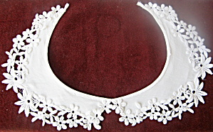 Collar with Cutwork Flowers Vintage Handmade White Linen  (Image1)