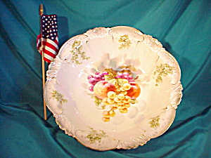 RS PRUSSIA UNUSUAL MOLD BOWL W/FRUIT (Image1)