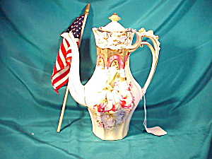 RS PRUSSIA(STEEPLE) ROSEBUD DEMI-POT W/GOLD (Image1)