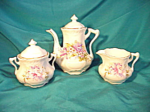 CHILD'S TEAPOT/CREAMER/SUGAR/FLORAL (Image1)