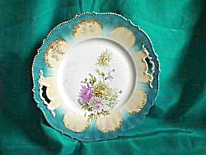 RS PRUSSIA  MOLD 343/WITH MEDALLIONS HANDLED CAKE PLATE (Image1)