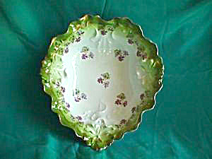 ROYAL VIENNA HEART SHAPED BOWL WITH VIOLETS (Image1)