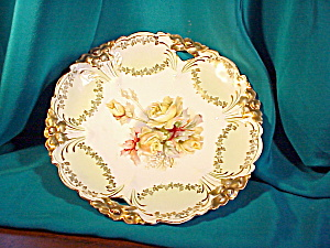 RS PRUSSIA LILY MOLD O.H. PLATE WITH ROSES (Image1)