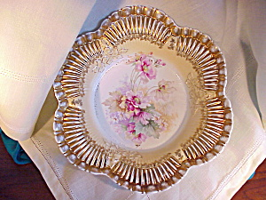 RS PRUSSIA FLUTED GOLD BOWL W/FLOWERS (Image1)