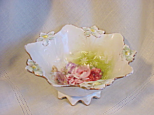 RS PRUSSIA LILY MOLD MULTI FOOTED BOWL (Image1)