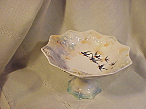 RS PRUSSIA PEDESTAL COMPOTE WITH BIRDS (Image1)