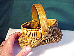 MINIATURE BUTTOCKS BASKET/GOOD PATINA (Image1)