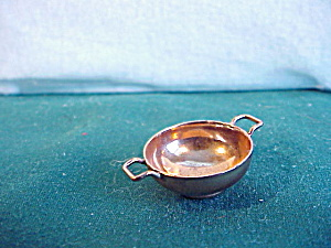 MINIATURE COPPER HANDLED BOWL (Image1)