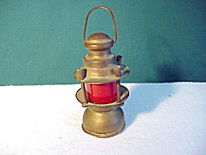TOY RAILROAD LANTERN WITH RED GLASS (Image1)