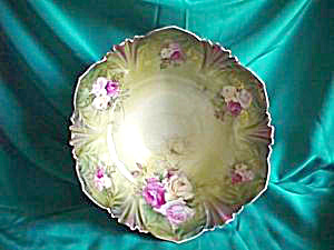 HUGE SIX FOOTED SAWTOOTH EDGE CENTERPIECE BOWL (Image1)