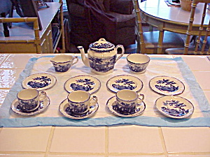 RIDGWAYS HUMPREY'S CLOCK CHILD TEA SET (Image1)