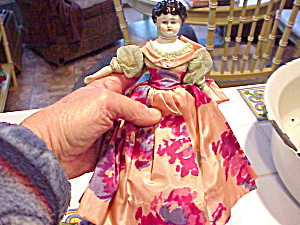 CHINA LOW BROW DOLL WITH SILK CLOTHING HAND M (Image1)