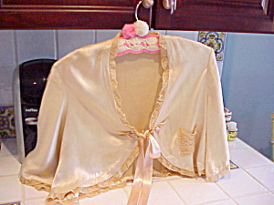 VINTAGE SILK CHARMEUSE AND LACE BED JACKET (Image1)