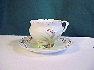 RS PRUSSIA UNMARKED ORNATE CUP AND SAUCER (Image1)