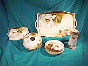 RS PRUSSIA (GERMANY) SEVEN PIECE DRESSER SET (Image1)