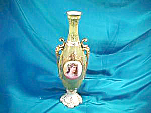RS PRUSSIA (UM) DELICATE VASE W/WOMAN W/DAISIES (Image1)