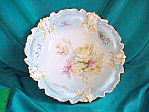 RS PRUSSIA (UM) IRIS MOLD BLUE BOWL W/ROSES (Image1)