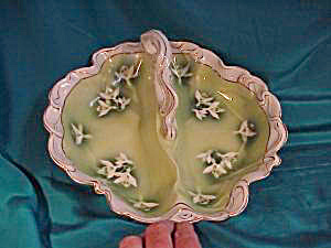 RS PRUSSIA (ES) INTRICATE DIVIDED BOWL W/SNOW (Image1)