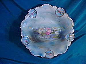 RS PRUSSIA(RM)MEDALLION BOWL W/WATER LILIES (Image1)