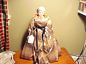ANTIQUE CHINA HEAD DOLL/BLONDE/SILK DRESS (Image1)