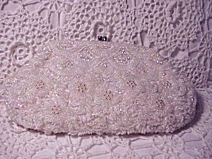BEADED CLUTCH WITH RHINESTONE CLASP (Image1)