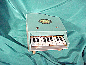 TOY BABY GRAND PIANO WITH TEN KEYS (Image1)