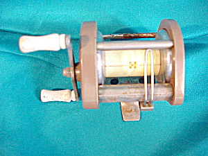 "ocean city ""1581"" fishing reel (Image1)"