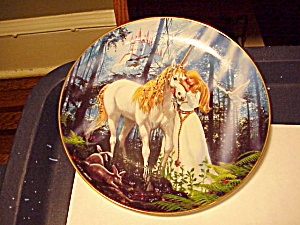 ROYAL DOULTON UNICORN PLATE (Image1)