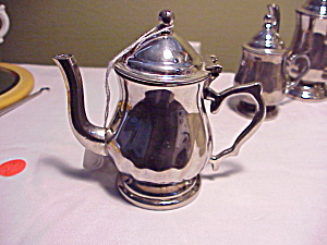 CHILD SILVER COFFEE POT (Image1)