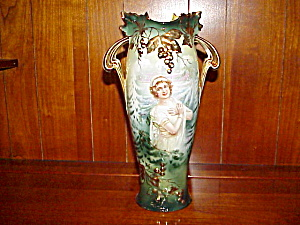 Rs Prussia Grape Mold Winter Portrait Vase