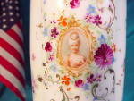 Click to view larger image of SEASHELL MOLD UNMARKED PORTRAIT VASE (Image2)