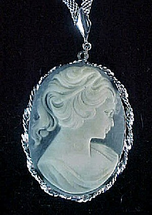 Cameo Necklace (Image1)