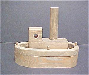 Folk Art Wooden Tug Boat - Vintage (Image1)