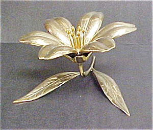 Vintage Brass Floral Centerpiece w/  Ashtrays (Image1)