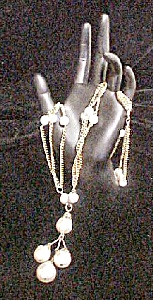 Vintage Faux Pearl Necklace w/Three Chains (Image1)