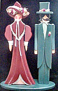 Unusual Wooden Couple In Period Dress (Image1)