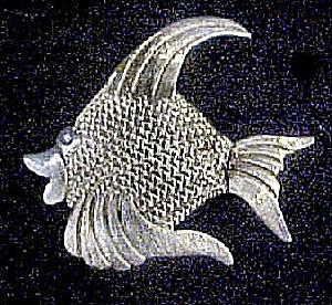 Silver Angelfish Pin (Image1)