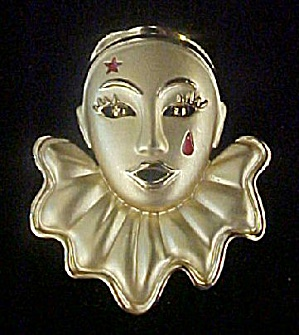 Ruffled Pierriot Clown Pin (Image1)