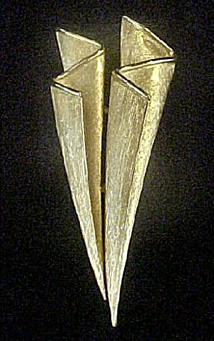 Trifari Stylized Pin - Unusual and Striking (Image1)