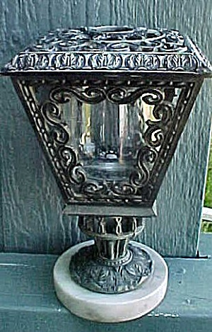 Victorian Style Street Lamp Candle-Holder (Image1)