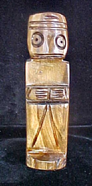 South Pacific Wooden Souvenir Figure (Image1)