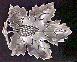 Metal Leaf W/fruit Tray