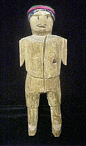 Vintage Folk Art Carved Wooden Figure (Image1)