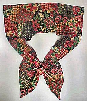 Vintage Holiday Season Scarf (Image1)