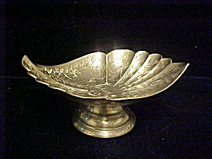 Graceful Shallow Brass Bowl From India (Image1)