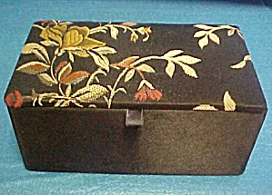 Fabric Trinket/Jewelry Box (Image1)