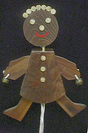 Wood Folk Art Figural Pull Toy (Image1)