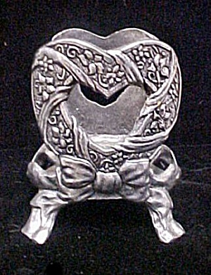 Hearts and Ribbons Metal Bottleholder (Image1)