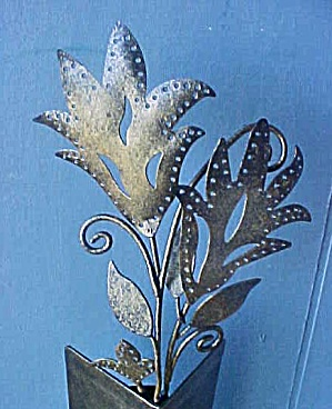 Metal Sculpted Floral Bouquet (Image1)