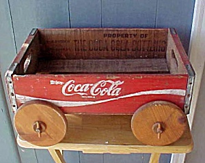 Coca Cola Wood Crate - 1982 w/Wheels (Image1)